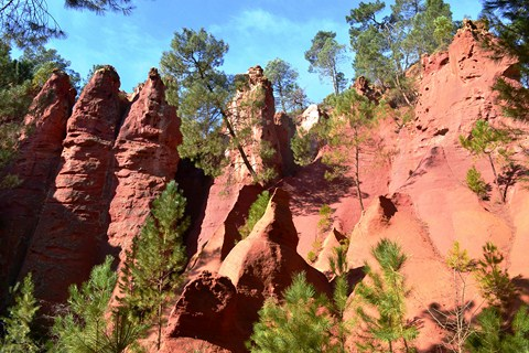 sentier des ochres roussillon provence walking independent